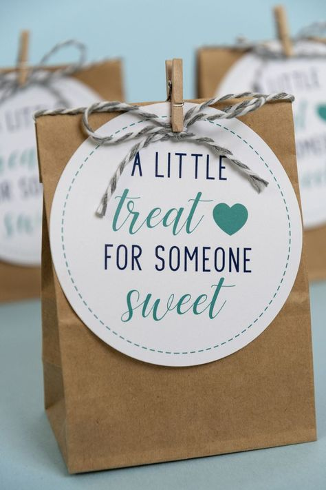Download these free printable A Little Treat for Someone Sweet gift tags in navy blue  turquoise. They make great anytime teacher gifts, client gifts, staff gifts, volunteer appreciation gifts, and much more. Just add chocolate! #freeprintable #candygifttags