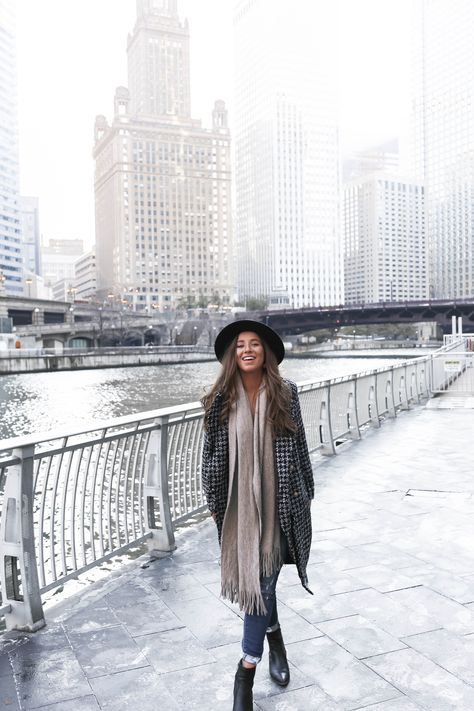 Travel Guide to Chicago: What to Do, Where to Eat and Drink, Where to Play and Where to Stay Chicago Outfit, Chicago Winter Fashion, Autumn Winter Fashion, Winter Style, Fall Fashion, Fashion Outfits, Spring Outfits, Winter Outfits, Chicago Trip