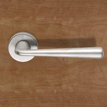 European Dnd020 Link Lever Latch Handles On Round Rose Lifestyle Image Door Handle Door Accessories Door Fittings Door Furniture