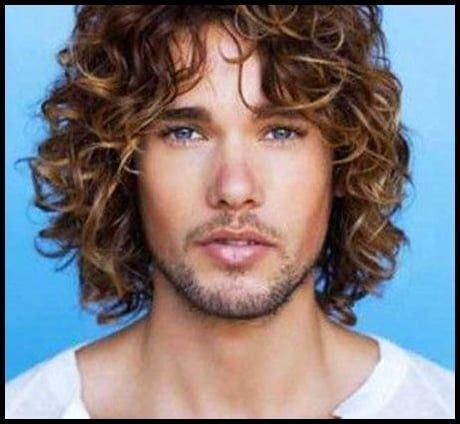 28 Besten Manner Lange Lockige Haar Ideen Casual Hair Lockig Long Curly Hair Men Long Hair Styles Men Curly Hair Styles