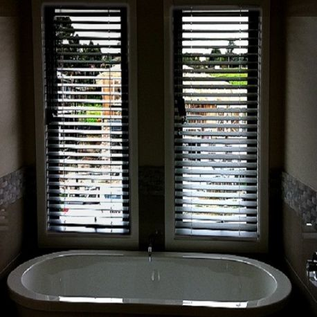 Pin By Cathy Downes On Diy In 2020 Blinds Flooring Contemporary Style