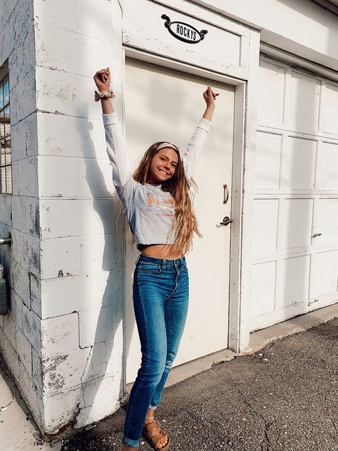 #ootd #outfits #happy #pose #springoutfits #springstyle #headband #jeans