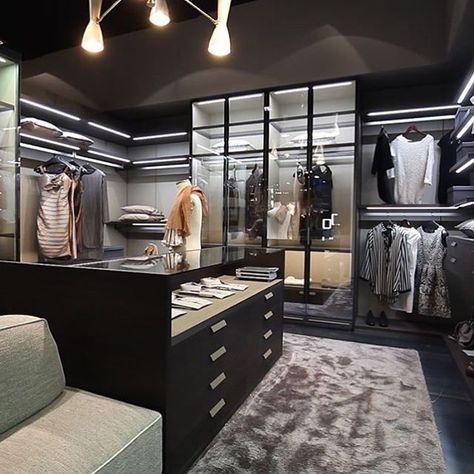 Have your walk in closet all black darker tones pretty much like - bao vestidor