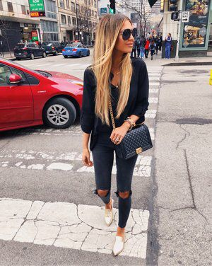 What To Wear This Fall: 30 Comfy Outfits With Jeans trendy fall outfit / blouse + bag + rips + gold loafers