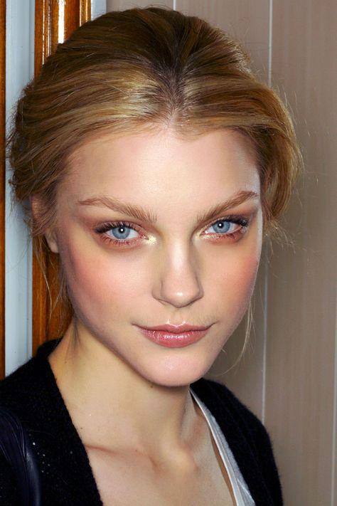 Jessica Stam simple make up