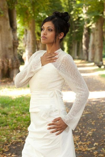 Strickjacke Bolero Aus Mohair Fur Ihre Hochzeit In Off White Und Ivory Fur Ihr Brautkleid Braut Brautjacke Modestil