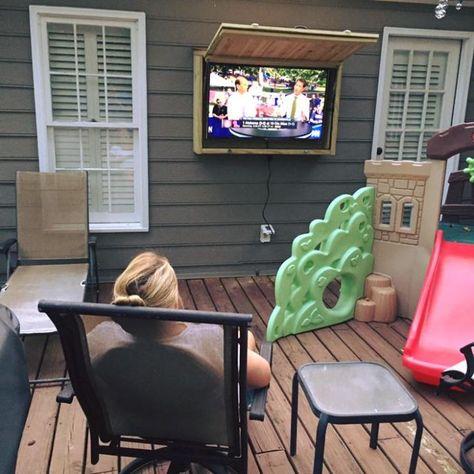 Outdoor TV Cabinet with Pop-Up Door Building Plan – DIY Backyard - convergent. Outdoor Tv Box, Outdoor Tv Mount, Outdoor Tv Cabinet, Outdoor Tv Covers, Outdoor Ideas, Outdoor Fun, Outdoor Spaces, Outside Patio, Back Patio