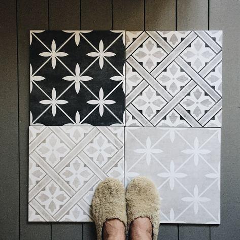 Incredible porch tile flooring design ideas just on omah home design Tiled Hallway, Hallway Flooring, Porch Flooring, Tile Flooring, Entry Tile, Ceramic Flooring, Floors, Laura Ashley Bathroom Tiles, Laura Ashley Floor Tiles