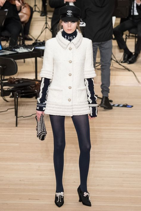 Chanel Pre-Fall 2018 Fashion Show Collection: See the complete Chanel Pre-Fall 2018 collection.
