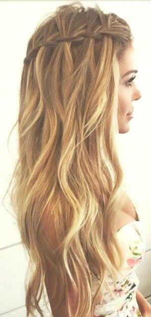 Style Summer Braids Beach Hair Natural Waves Long Blonde Messy Man In 2020 Wedding Hairstyles For Long Hair Easy Summer Hairstyles Natural Hair Styles