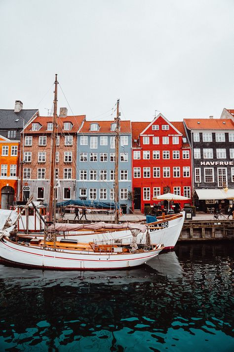 6 insider tips that will make your trip to Copenhagen unforgettable - Beste Reisetipps 2019 Copenhagen Travel, Copenhagen Denmark, Stockholm Sweden, Places To Travel, Travel Destinations, Places To Go, Holiday Destinations, Denmark Travel, Ancient Architecture