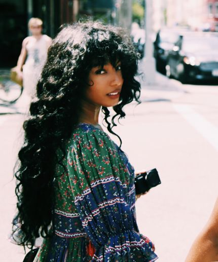 lasnoot: Diana Gordon - Hurdy to the gurdy, yo. Pretty People, Beautiful People, Curly Hair Styles, Natural Hair Styles, Long Curly Hair, Foto Fantasy, Black Girl Aesthetic, Hair Reference, Tips Belleza
