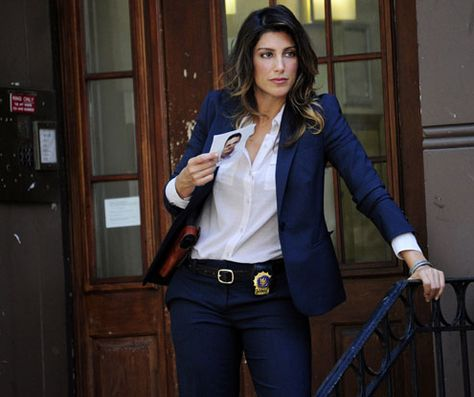 """Nova integrante do NCIS -  Special Agent Alexandra """"Alex"""" Quinn .....  Jennifer Esposito as Det. Jackie Curatola, Blue Bloods"""
