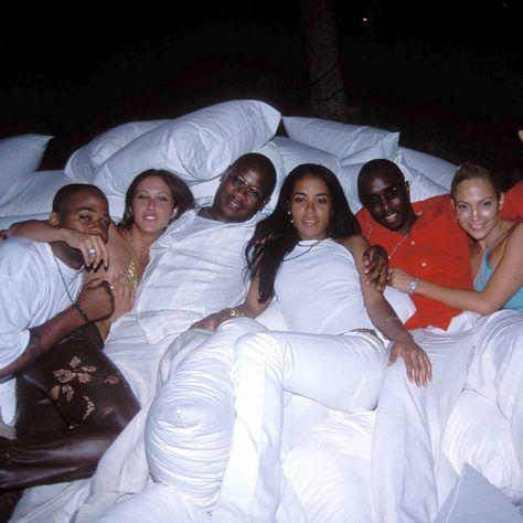 How rare! Look at Jlo and Aaliyah.