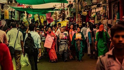 All over Kerala massive protests have broken out today demanding ‪#‎JusticeForJisha‬, the law student who was brutalized in Perumbavoor, Kerala on May 2. The following photos of huge groups of women protesting the death of the young Dalit woman are from the city of Kozhikode and were shot by filmmaker BIJU Ibrahim. If you are in Bangalore, you can join the protest at Town Hall on Friday, May 6 which aims to broaden the demands of the nation-wide protests and emphasize the need to end caste-based