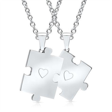 Gravierbare Edelstahl-Anhänger Puzzledesign Herz P5182 http://www.thejewellershop.com/ #puzzle #anhänger #steel #partner #couple #gravierbar #schmuck