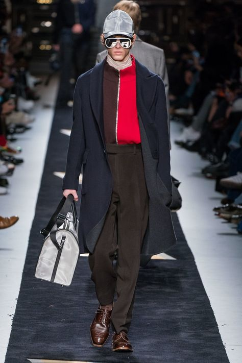Fendi Fall 2019 Menswear collection, runway looks, beauty, models, and reviews.