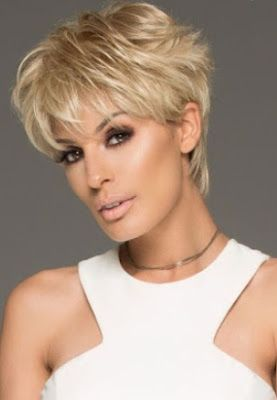 La Moda En Tu Cabello Cabello Corto Escalonado 2019 2020 Peinados Cortos Mujer Estilos De Cabello Corto Peinados Con Flequillo Corto