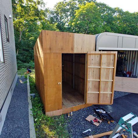 组图 Carousel 自転車小屋作りドア取り付けまで完了 次はコーキングで