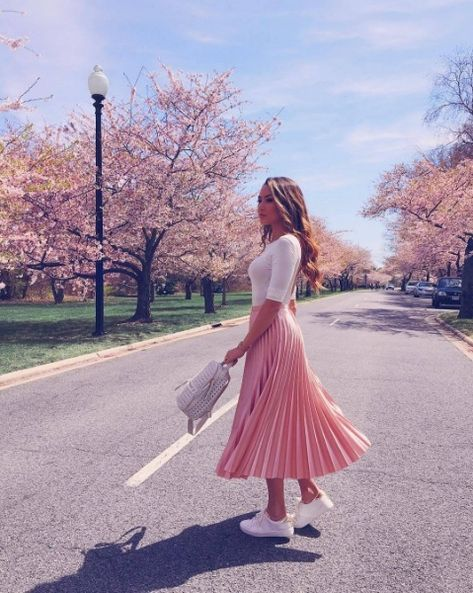 CLICK on the photo to SHOP this beautiful skirt :) New baby pink pleated high waist skirt midi length blush pink fall autumn winter long light pink pleated skirt ladies outfit for work casual spring summer outfit ideas white top fashion combination look cute pink skirt women office outfit fashion street style