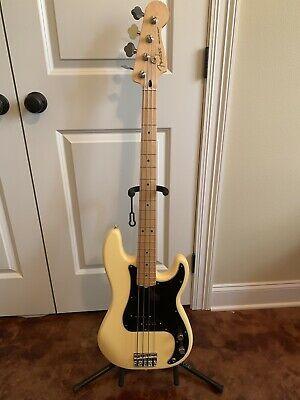 Fender Player Series Precision Bass Maple Buttercream Demo Fender Bass Bass Bass Guitar Notes