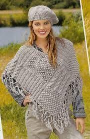 Poncho de croche cinza estiloso para compartilhar com as amigas que amam ponchos e roupas de croche. #croche #crochet #poncho