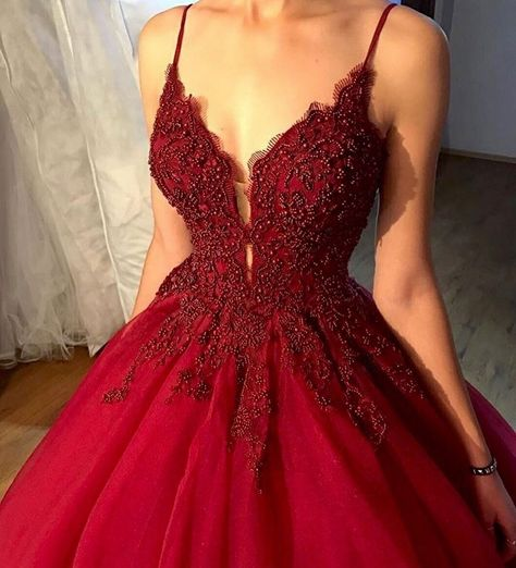 Sexy Spaghetti Straps Burgundy Tulle Formal Prom Dresses, Appliques Beaded Ball Gown Prom Dresses, Quinceanera Dress