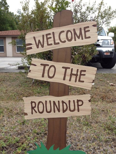 Toy Story Birthday Welcome To The Roundup Standing Sign Western Birthday Decoration, Toy Story Decor, Cowboy Cowgirl Party