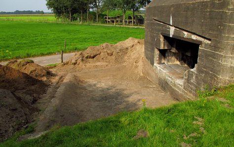 De betonnen bak had ten doel mondingsgassen (rook) af te voeren.