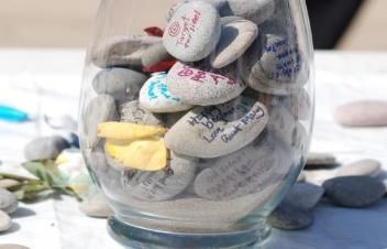 Love this idea for a guestbook!
