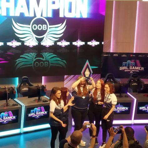 Las chicas @oob_team se alzan con la victoria en la parada europea del @girlgamer Esports Festival en Madrid. ¡Enhorabuena! . .  SomosMovistarRiders💙  girlgamer  eSports  GirlGamerFestival  GirlGamerFest2019  girlgamerglobal  GirlGamerMadrid  LogitechG  PlayAdvanced  mettasport  growupesports  astro  DominosPizza