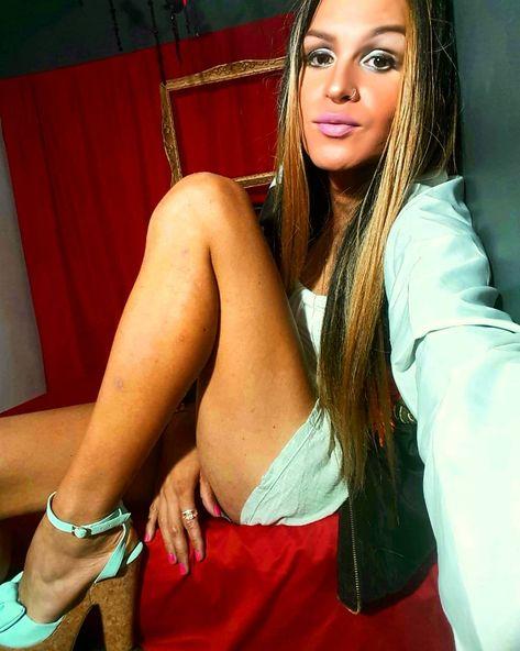 "Daniela👠High on Instagram: ""Rubia forever .....bronzed 👱 👱 👱 #today #friday #trans #model #germany #usa #India #Venezuelan #venezuelangirl #europe #emigrantes…"""