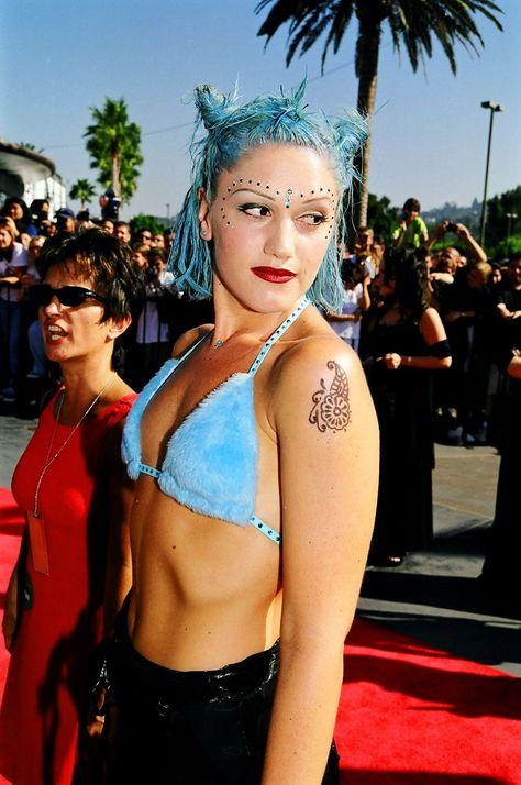 Blue With Knots  The Pulchritudinal Punker  Gwen Stefani  Gwen