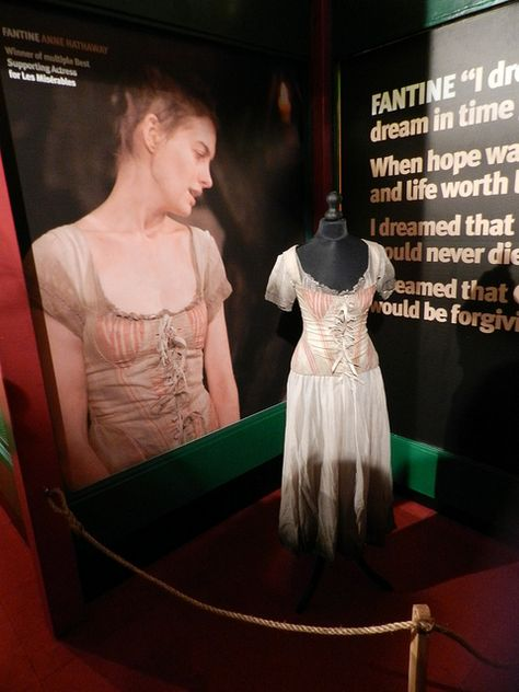 Les Miserables Costumes Fantine Anne Hathaway Les