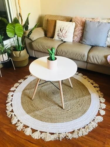 Round Rug With Tels In 2020