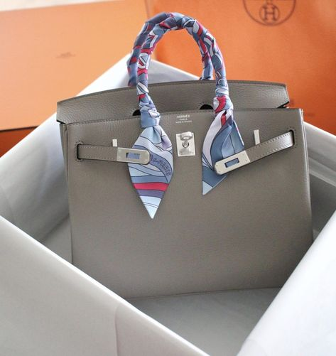 Bolso Birkin Hermes, Birkin 25, Hermes Bags, Hermes Handbags, Fashion Handbags, Birkin Bags, Crocodile, Hermes Kelly 25, Grey Bags