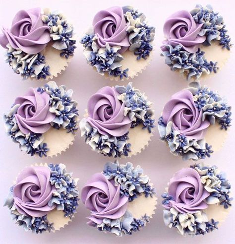 Elegant Cupcakes, Floral Cupcakes, Pretty Cupcakes, Beautiful Cupcakes, Cupcake Bouquets, Flower Cupcake Cake, Monogram Cupcakes, Hydrangea Cupcakes, Garden Cupcakes
