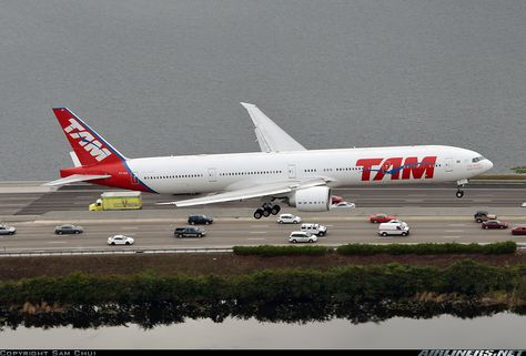 TAM Airlines Boeing 777-32W/ER aircraft picture