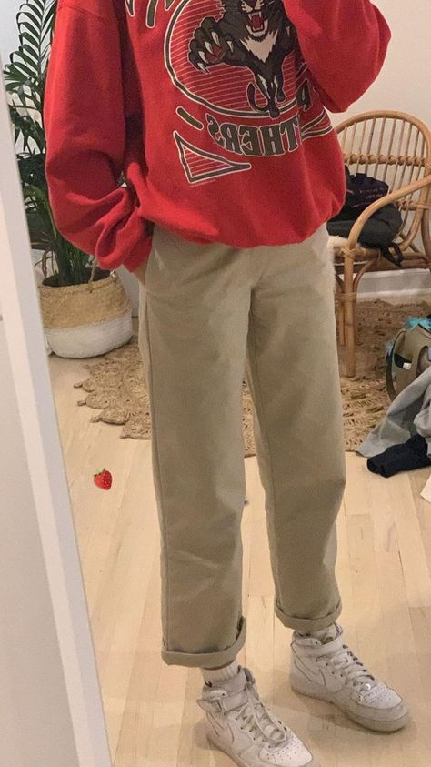 vintage sweatshirt - Ootd - - - vintage sweatshirt – Ootd – Source by Indie Outfits, Cute Casual Outfits, Retro Outfits, Vintage Outfits, Fashion Outfits, Casual Chic, Vintage Vans, Grunge Outfits, Fashion Tips