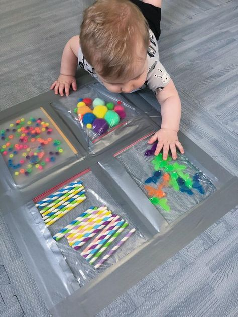 Baby Sensory Play, Baby Play, Baby Sensory Bags, Sensory Play For Toddlers, Baby Sensory Ideas 3 Months, Sensory Tubs, Baby Learning Activities, Infant Activities, 7 Month Old Baby Activities