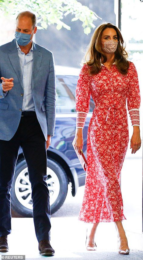 Casa Real, Prince William And Catherine, William Kate, Duke And Duchess, Duchess Of Cambridge, Kate Middleton Stil, Herzogin Von Cambridge, Estilo Real, Floral Gown
