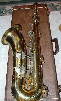 Conn director 16M tenor saxophone, also with the shooting stars