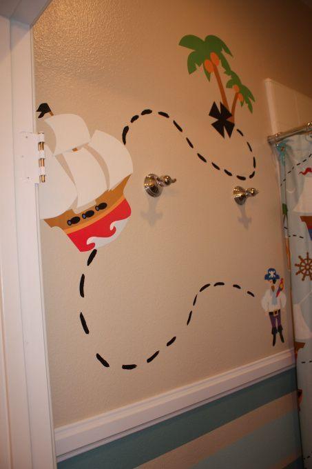 Whimsical Boys Pirate Bathroom I Wanted A Fun Pirate Theme For My Boys Bathroom Without Decoracion De Piratas Cuarto De Los Ninos Banos Para Ninas