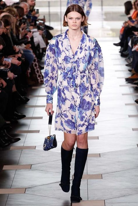 Tory Burch Fall 2017 Ready-to-Wear Collection Photos - Vogue (That little bag!