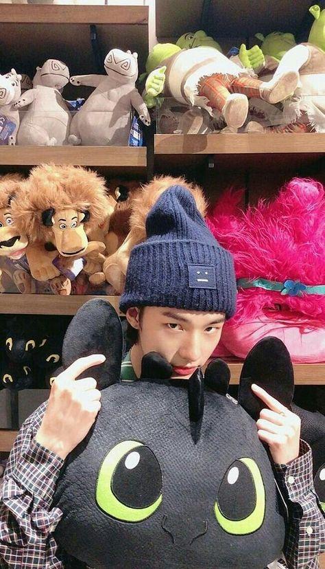 Cute Boys, My Boys, Boy Idols, Felix Stray Kids, Korean Boy, Kids Wallpaper, Soft Wallpaper, Kpop Boy, Mixtape