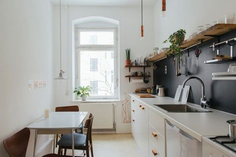 15 Minimalist Home Decor Stores For Decorating On A Budget