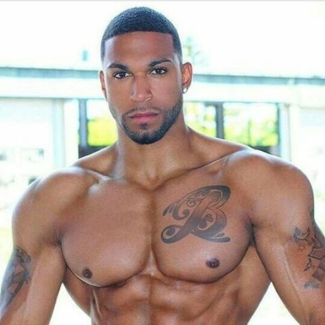 Light skin sexy black man — photo 9