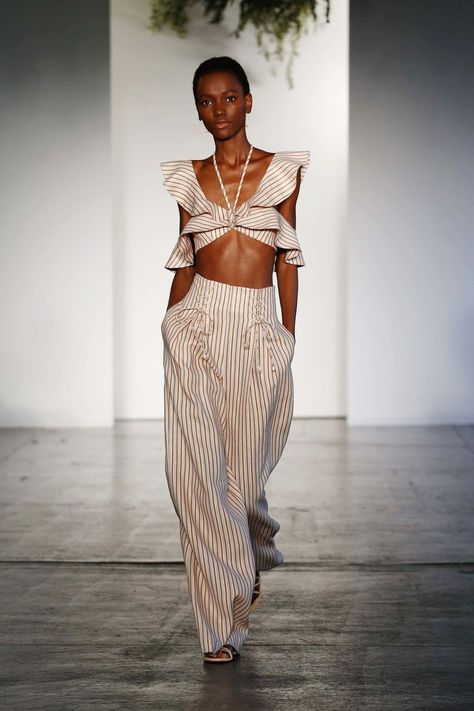 Zimmermann Resort 2018 Fashion Show Collection: See the complete Zimmermann Resort 2018 collection. Look 22