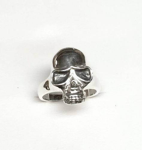 Sterling silver skull ring.