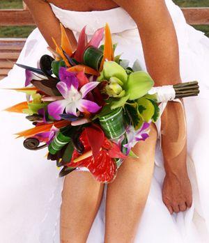 FLOWER BOUQUET FOR HAWAIIAN WEDDING